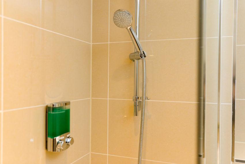 Bathroom accesories1